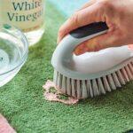 پاک کردن اسلایم از روی مبل