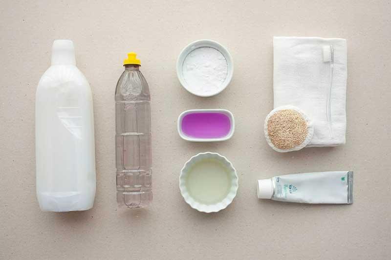 مواد پاک کننده لکه چای از مبل