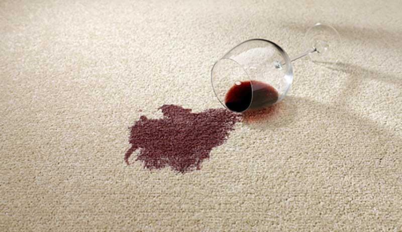 پاک کردن آب انار از فرش با استفاده از جوش شیرین