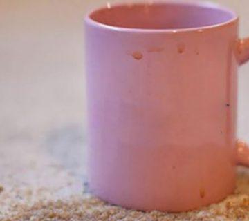 پاک کردن لکه قهوه از روی فرش