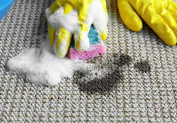 پاک کردن لکه چربی از روی فرش